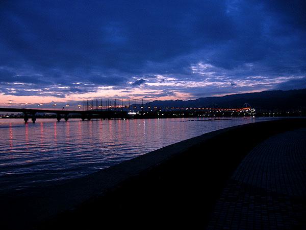 甲子園浜の夜